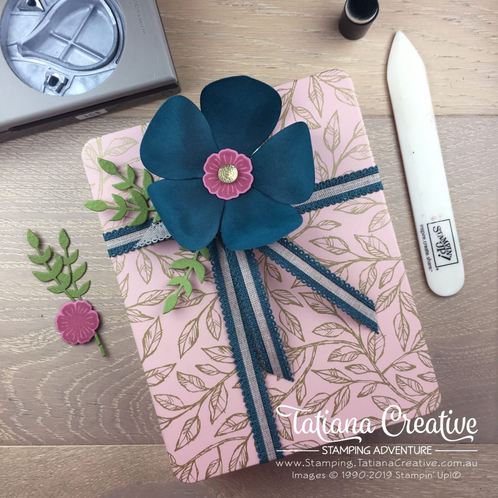 Tatiana Creative Stamping Adventure - Floral Gift decoration on the Bird Ballard Laser-Cut Cards using Hot Air Balloon Punch all by Stampin' Up!®